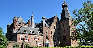Doorwerth Castle near Arnhem, the Netherlands. Wikimedia Commons:Vincent van Zeijst