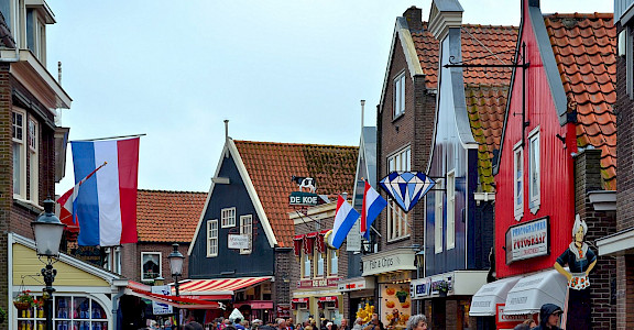 Volendam in North Holland, the Netherlands. Flickr:Juan Enrique Gilardi