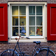A glimpse of Vermeer through an Amsterdam window. Flickr:Francesca Cappa