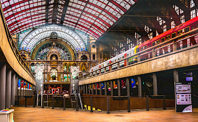 Train station in Antwerp, Belgium. Flickr:Gregorio Pugabailon