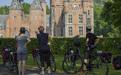 Photo op of one of a castle en route!