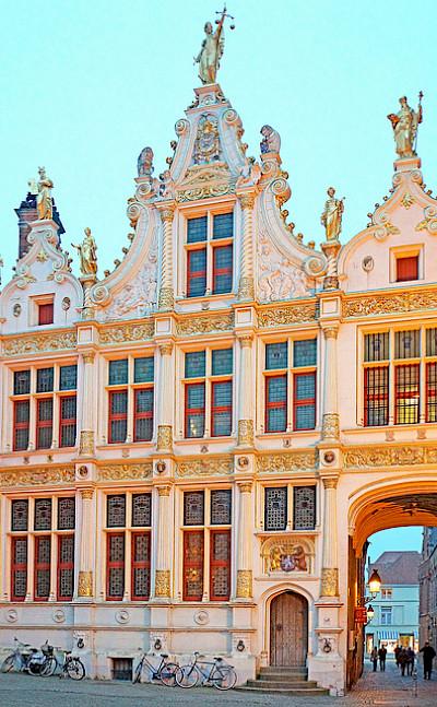 Bike rest to admire the architecture in Bruges, Belgium. Flickr:Dennis Jarvis