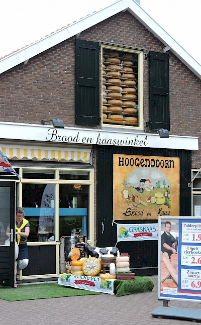 Cheese shop in Schoonhoven, the Netherlands. Flickr:bert knottenbeld