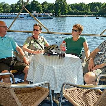 Mecklenburg - New friendships on board Mecklenburg | Bike & Boat Tours