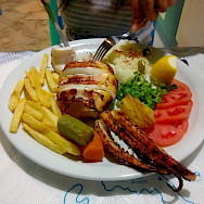 Great seafood on the Cyclades Islands in the Greek Aegean Sea. Flickr:Cha gia Jose