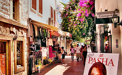 Shopping on Bodrum, Turkey. Flickr:Yilmaz Oevuenc
