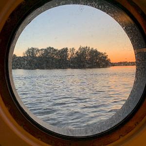 Porthole picture - Magnifique II - Tripsite.com