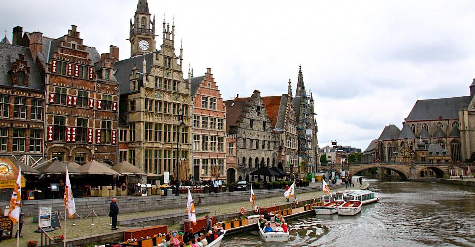 Boat ride on Leie River in Ghent, East Flanders, Belgium. Flickr:Alain Rouiller