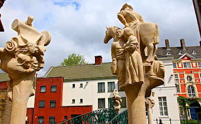 Statues in Ghent, East Flanders, Belgium. Flickr:alain Rouiller
