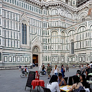 Piazza del Duomo in Florence, Italy. Wikimedia Commons:Peter K Burian