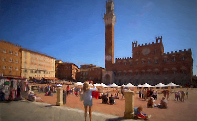 Relaxing in Siena's most famous piazza. Flickr:bigalbert