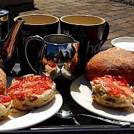 Tea time with scones in Ireland. Flickr:godo godaj