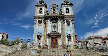 Grand churches in Porto and all over Portugal. Flickr:Nicola Vollmer