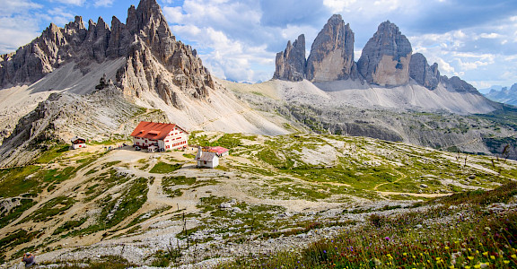 Drei Zinnen on the Dolomites Hiking Tour in Italy. Flickr:Siegfried Rabanser