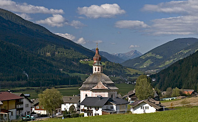 Mountain village of Hochpustertal in South Tyrol, Austria. Creative Commons:Strasserwirt