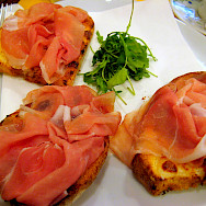 Bruschetta in Venice, Italy. Flickr:Anna Fox