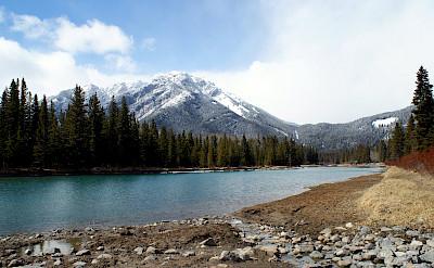 Mountains near Banff. Flickr:melandory