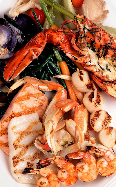 Seafood platter in Canada, of course! Flickr:Nwong PR