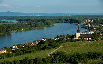 Bike & Boating through Nierstein, Germany. Flickr:Marco Verch