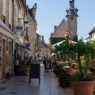 Relaxing in Nuits-Saint-Georges, Burgundy, France. Flickr:eugene_o