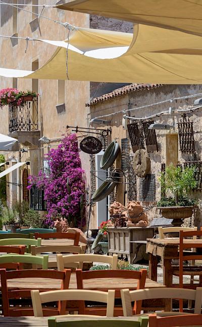 Cafes en route while enjoying the Sardinia Hiking Tour. Flickr:Carlos Llamas