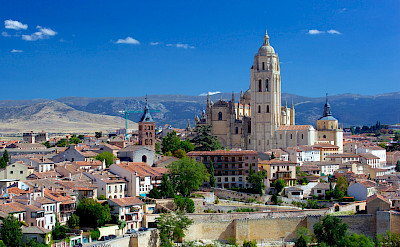 Segovia Cathedral from Alcazar Tower with the Guadarramma Mountains. Flickr:Jiuguang Wang