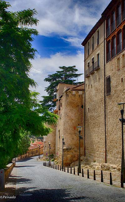 Walking the quiet streets in Segovia, Spain. Flickr:mpeinado