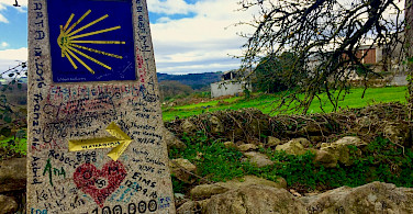 100km mark between Sarria and Portomarin on Camino de Santiago, Spain. Flickr:subherwal
