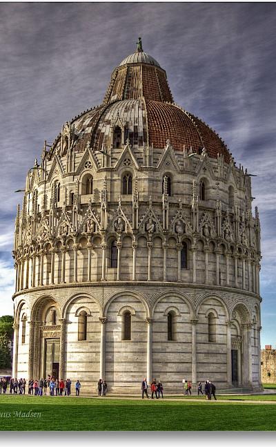 Chapel in Pisa, Tuscany, Italy. Flickr:Niels J. Buus Madsen