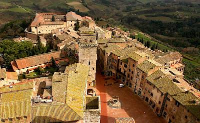 Overlooking San Gimignano in Tuscany, Italy. Flickr:Frank Kovalchek