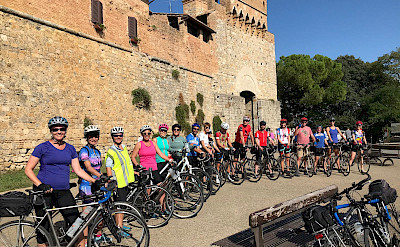 Group photo on this Tuscany Italy Bike Tour.