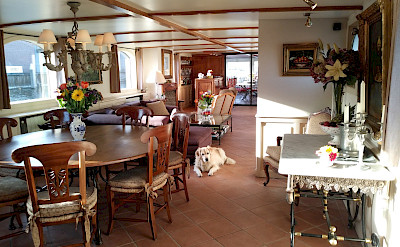 The sunny dinning room aboard the Aurora!