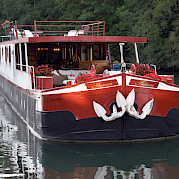 Front view of the Aurora | Bike & Boat Tours