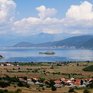 Walking to Lake Prespa in Macedonia. Flickr:Julien Maury