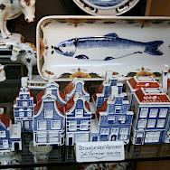 Delft blue for sale in Delft, the Netherlands. Flickr:bertknottenbeld