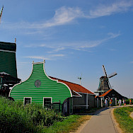 Quiet biking in Zaandam, the Netherlands. Flickr:David Sanz