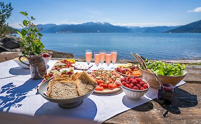 Delicious cuisine to fuel the hikes in Norway!