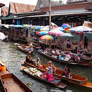Damnoen Saduak Floating Market in Bangkok, Thailand. Flickr:Walter Lim