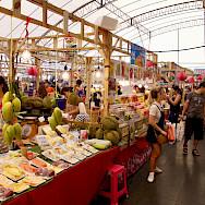 Shopping in Bangkok, Thailand. Flickr:Werner Bayer