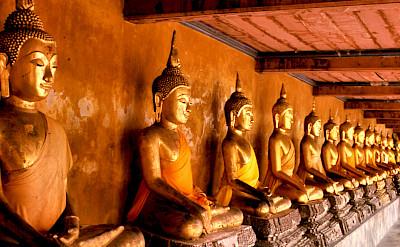 Buddhist statues in Bangkok, Thailand. Flickr:Telmo32