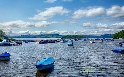 Scenic sailing on Loch Lomond, Scotland. Flickr:Jean Balczesak