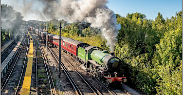Train leaving Faversham for Canterbury, England. Flickr:Smudge9000