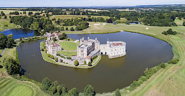 Leeds Castle in Kent, England. Creative Commons:Chensiyuan