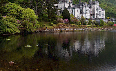 Kylemore Abbey in Connemara, Co Galway, Ireland. Flickr:Jule berlin
