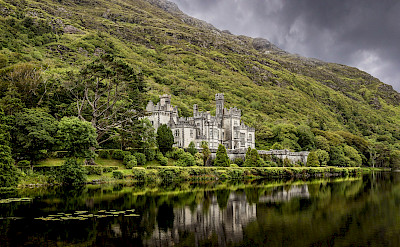 Kylemore Abbey in Connemara, Co Galway, Ireland. Flickr:Vincent Moschetti
