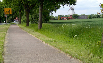 Bike path in Verden by River Weser in Germany. Flickr:Klaas Brumann