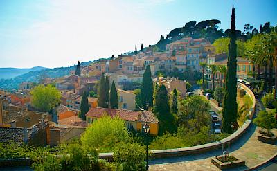 Bormes-les-Mimosas in Provence-Alpes-Côte d'Azur, France. Flickr:Jean Baptistem