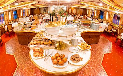 Buffet | MS Prinzessin Katharina | Bike & Boat Tours
