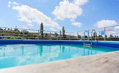 Pool | SE-Manon | Bike & Boat