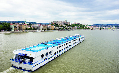 The SE Manon from above cruising the Danube | Bike & Barge